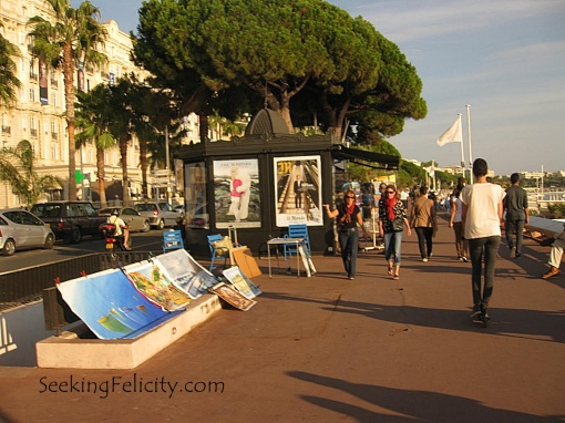 Walking along Cannes' promenade :)